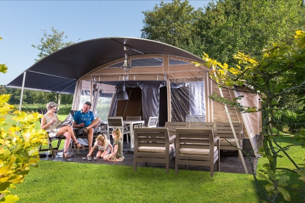 Lodge de luxe tent